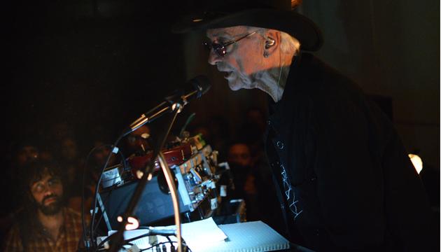 A los 77 años, Simeon Coxe mostró lo que es un artista de vanguardia