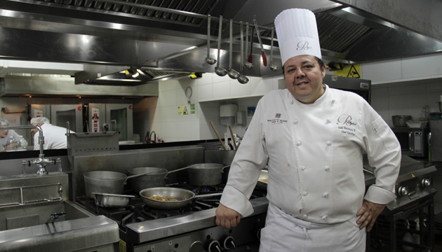 Áxel Manríquez, chef ejecutivo del restaurante Bristol