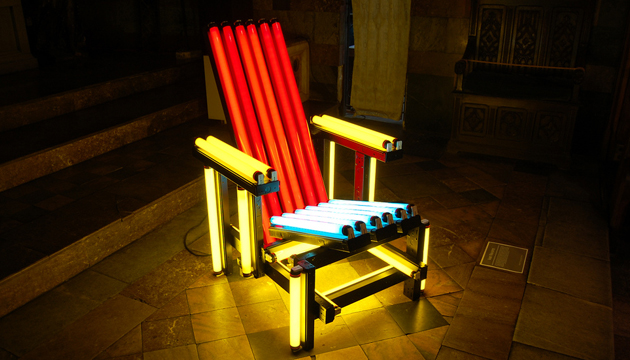 Blue and Red Electric Chair, Iván Navarro, 2003