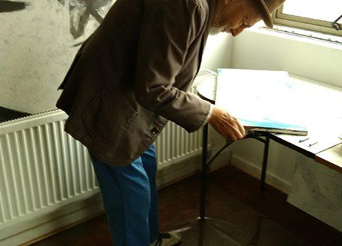 Hugo Marín en su céntrico taller