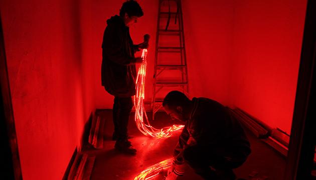 El trabajo con luces led fue realizado artesanalmente