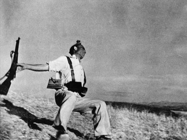 Muerte de un miliciano / Robert Capa / 1936-37